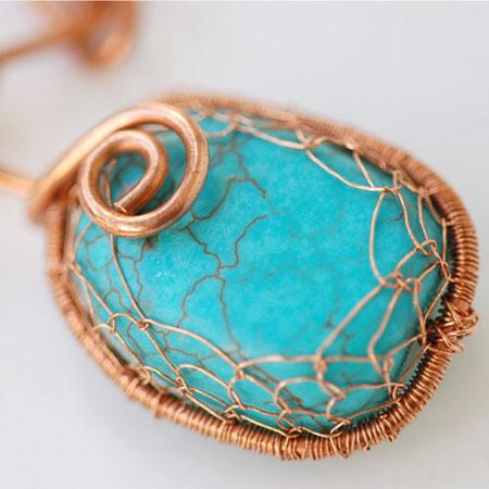 Corrente de cobre com pendente turquesa