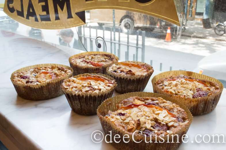 Orchard Peach, Cherry and Vanilla Crème Fraîche Baked Oatmeal Cups