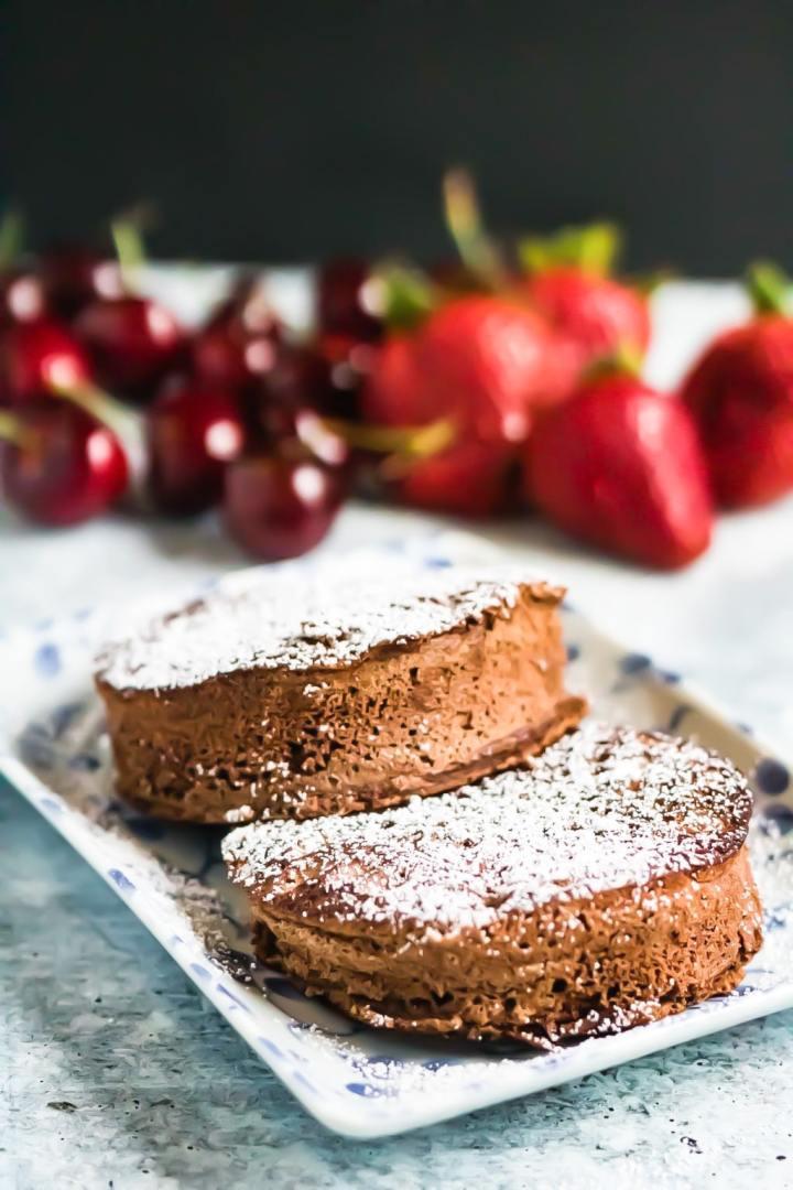 souffle-pancakes-chocolate-vert-low-angle-2 2-min