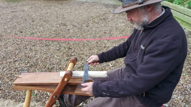 Using a pull knife