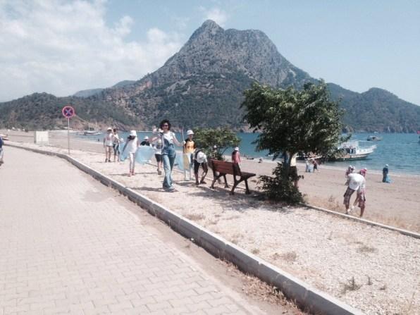 Adrasan sahil temizliği