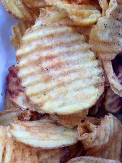 Pop's Deli: Homemade Chips