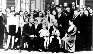 (Some Of) The Best Gifts To Give Your Family All Year Long~Pt. 1, Dietrich Bonhoeffer, days before arrest, Germany, family