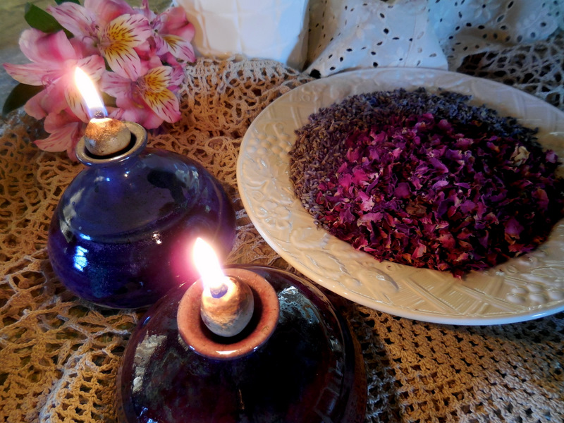 potpourri, rose petals and lavender, Valentine's Day, fragrances for bed and bath