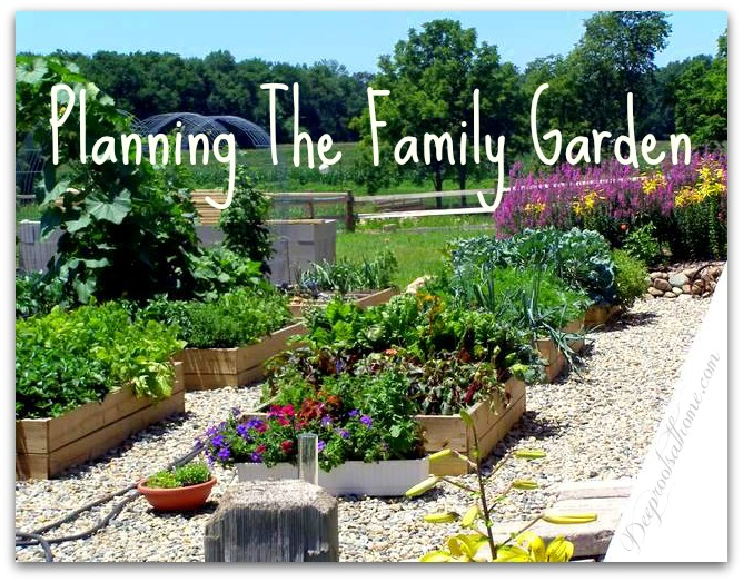 Ideas for planning the well producing sustainable family garden - Weeding garden make work easier ...