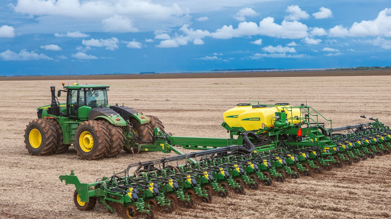 John Deere 9520 con sembradora de precisión