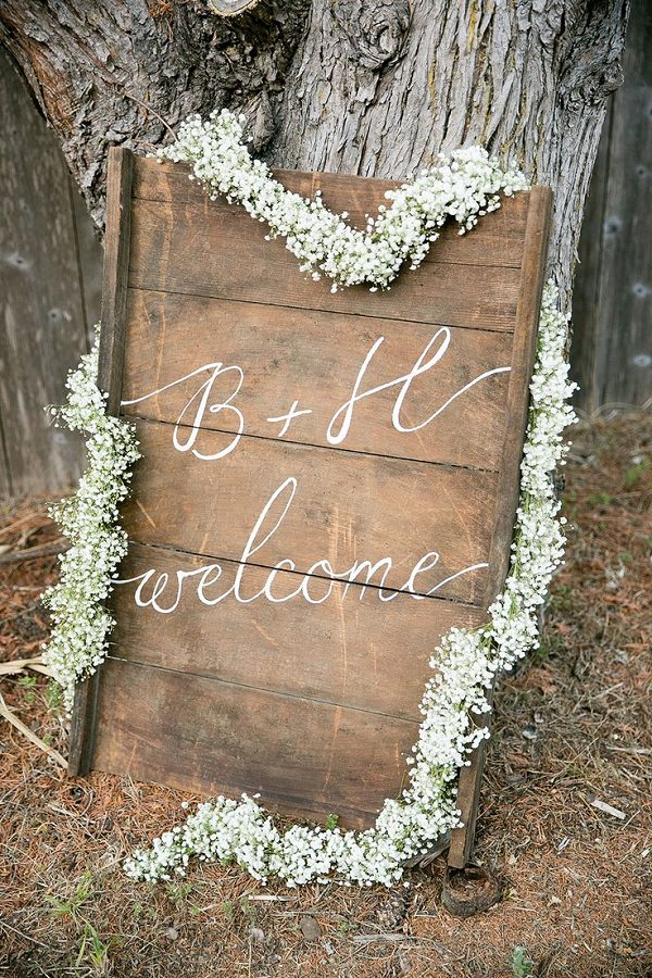 Baby's Breath Garland Welcome Sign