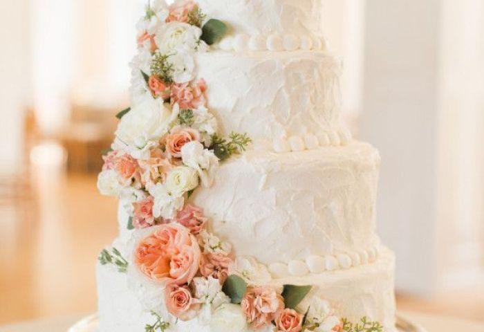 Vintage Rustic Wedding Cake Idea For Fall Wedding Deer Pearl Flowers