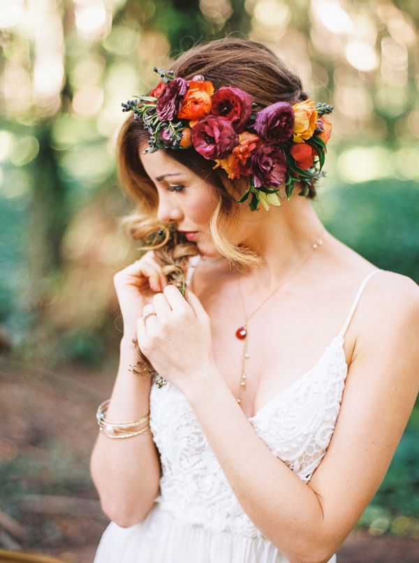 46 Romantic Wedding Hairstyles with Flower Crown  DIY
