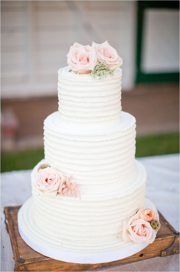 Rustic White Wedding Cake With Blush Roses Deer Pearl Flowers