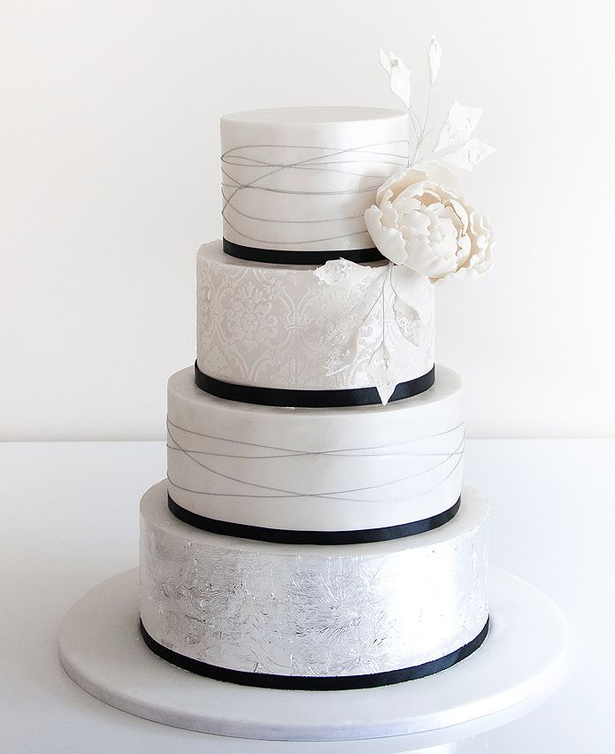 49 Amazing Black And White Wedding Cakes Deer Pearl Flowers