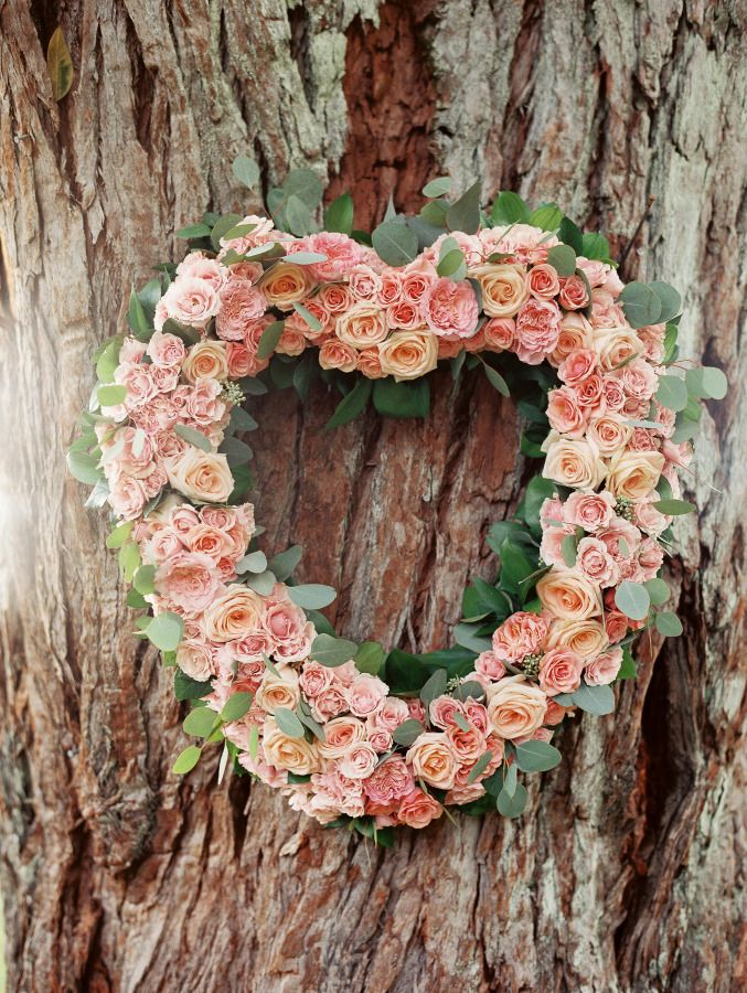 30 Romantic Wedding Wreath Ideas to Get Inspired  Deer