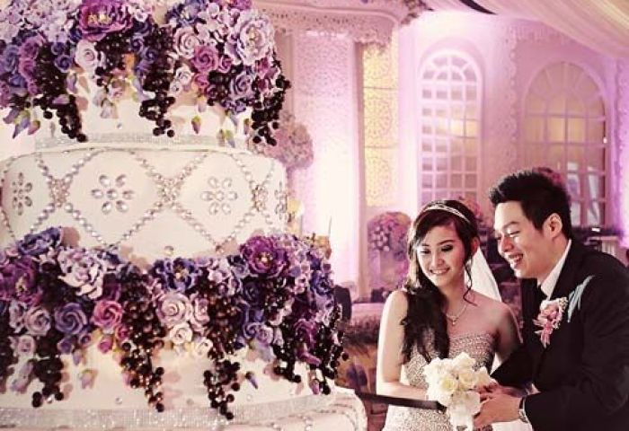 Top 13 Most Beautiful Huge Wedding Cakes Deer Pearl Flowers