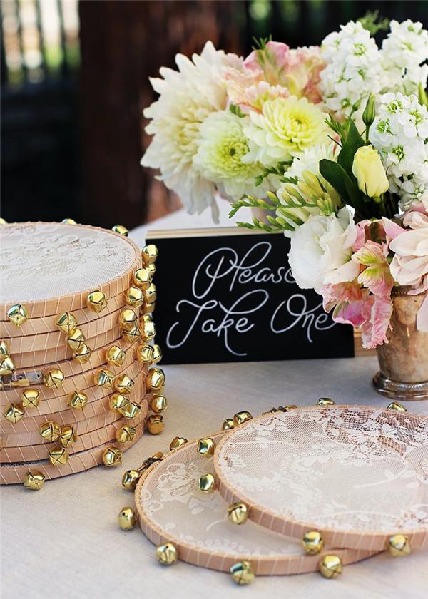 25 Unique Embroidery Hoops Boho Wedding Decor Ideas Deer Pearl Flowers