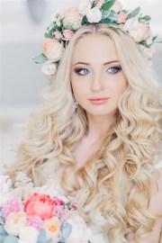 bloned long wavy wedding hairstyle