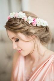 braided wedding hairstyle witn
