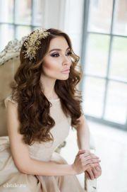 striking long wedding hairstyle
