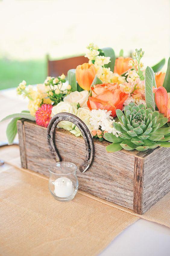 30 Styling Horseshoe Ideas For A Rustic Farm Wedding  Deer Pearl Flowers