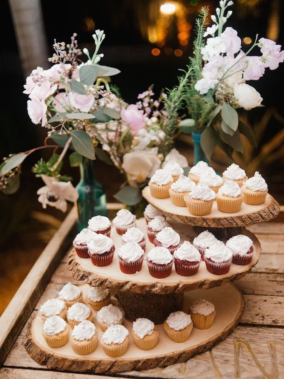 25 Amazing Rustic Wedding Cupcakes  Stands  Deer Pearl