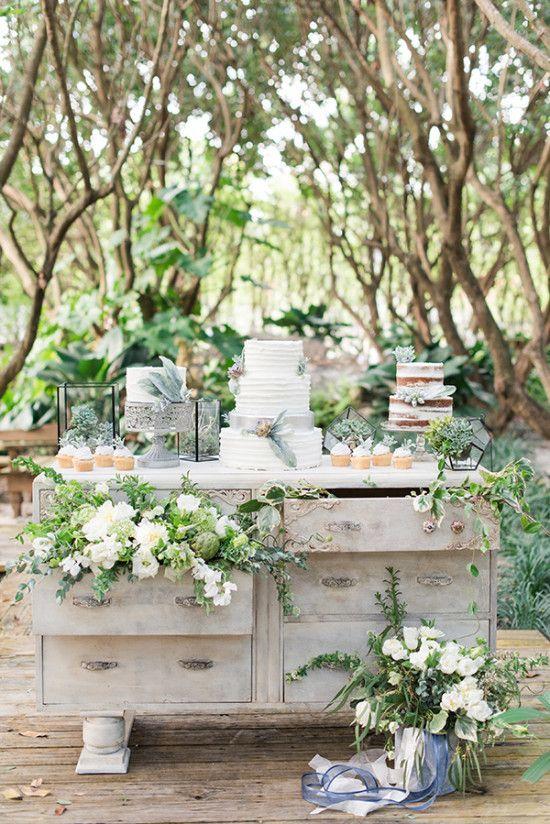 Fall Round Picnic Table Wallpaper Garden Themed Wedding Dessert Table Deer Pearl Flowers