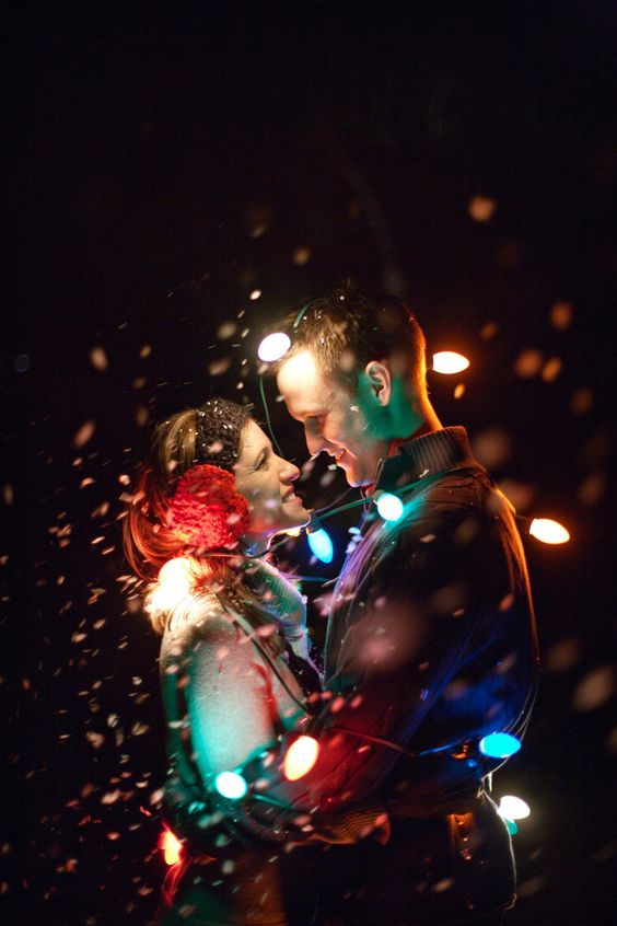 30 Winter Engagement Photo Ideas to Warm Your Heart | Deer