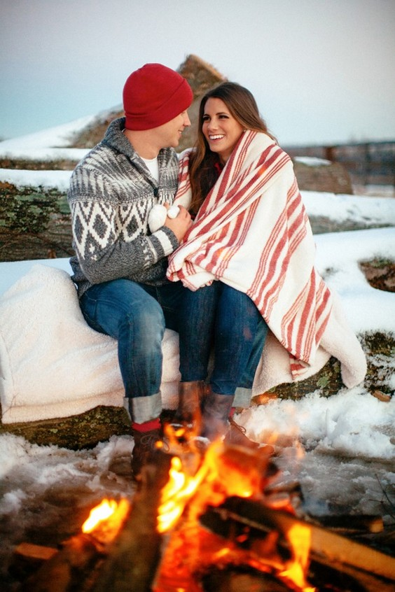 30 Winter Engagement Photo Ideas To Warm Your Heart Deer Pearl Flowers