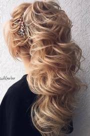 stuning long curly wedding hairstyles