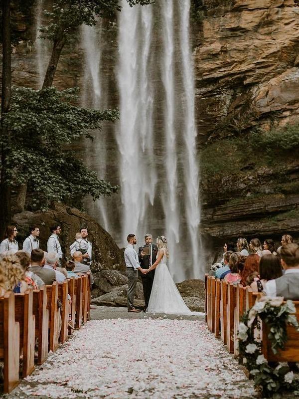 Mountain wedding photography ideas