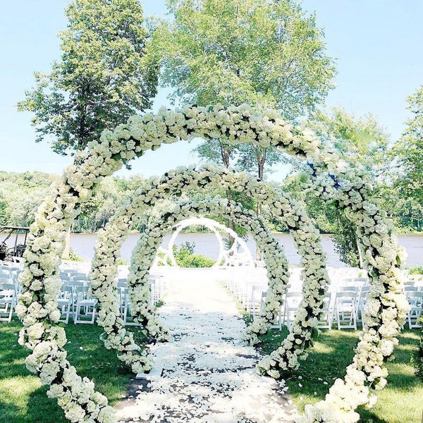 Greenery circle wedding entrance decor