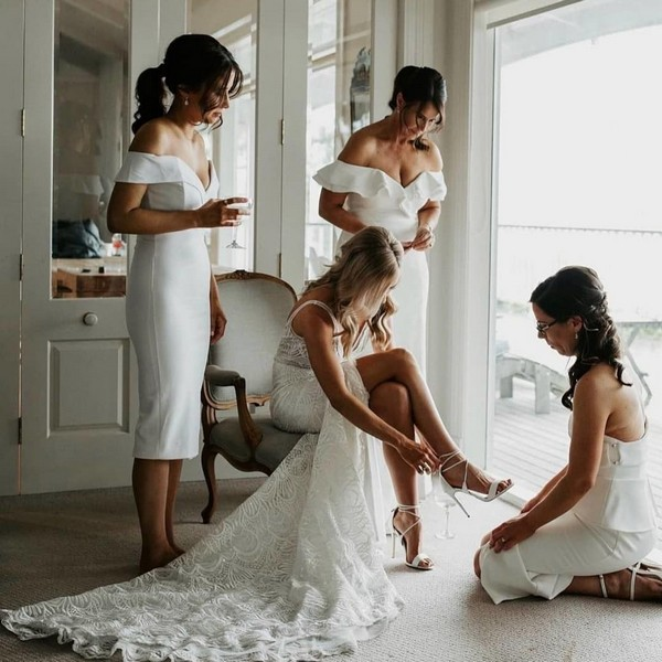 Pre Wedding Photoshoot Ideas for the Bride and Bridesmaids