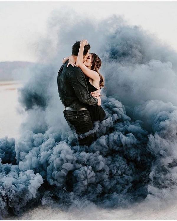dusty blue smoke bomb wedding photo ideas