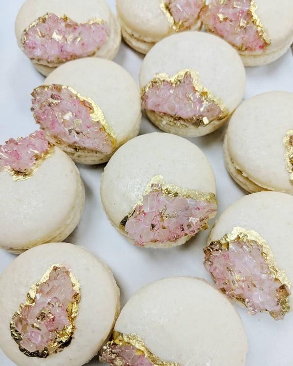 rose quartz geode wedding macarons13