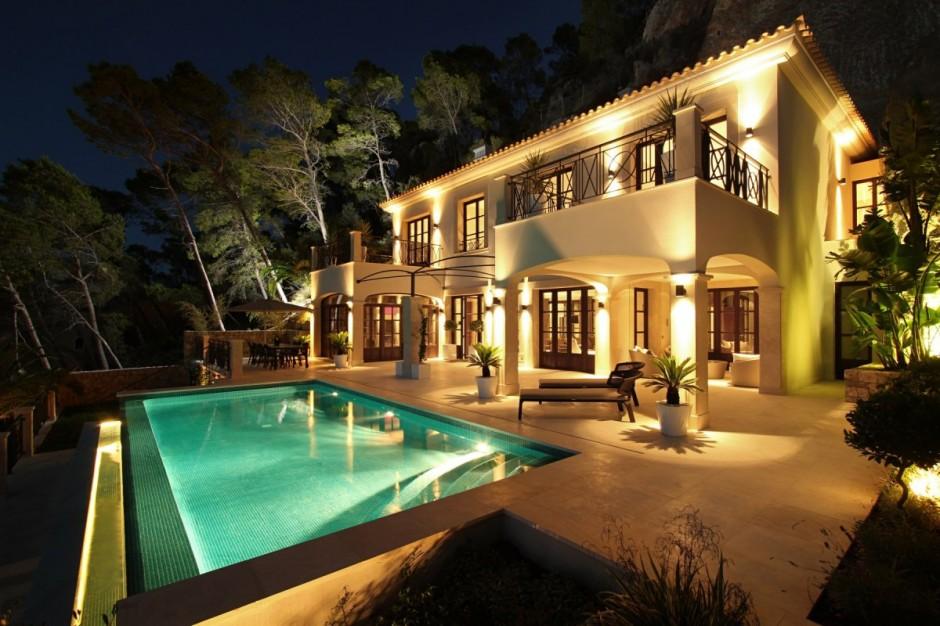 Iluminacin de fachadas de casas  Fachadas de Casas
