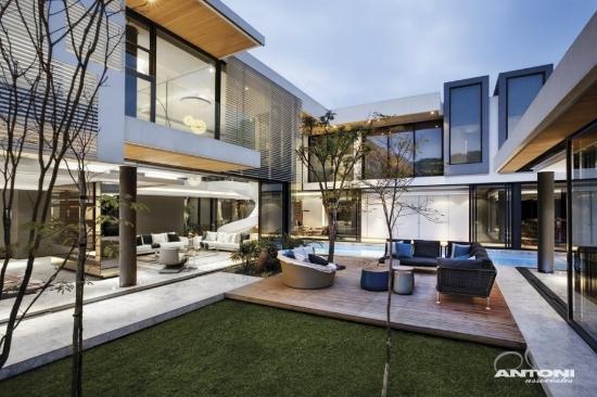 Gran casa moderna y luminosa  Fachadas de Casas  Fotos