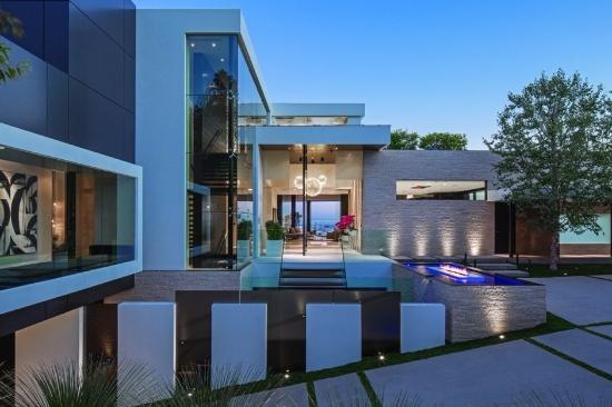 Imponente mansin en Beverly Hills  Fachadas de Casas