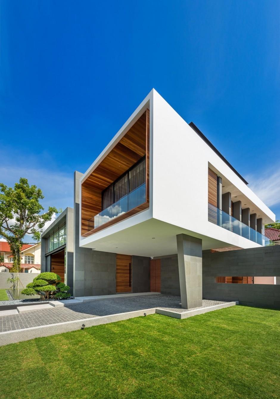 Casa moderna con grandes ventanas  Fachadas de Casas  Fotos de Casas