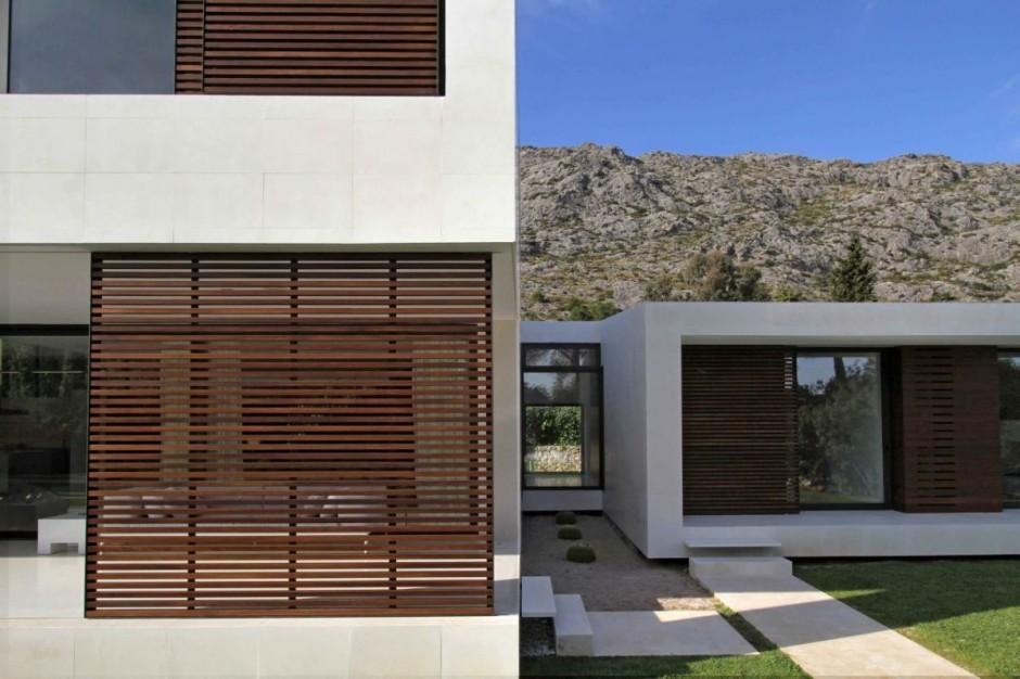Diseo de una casa minimalista muy llamativa  Fachadas de