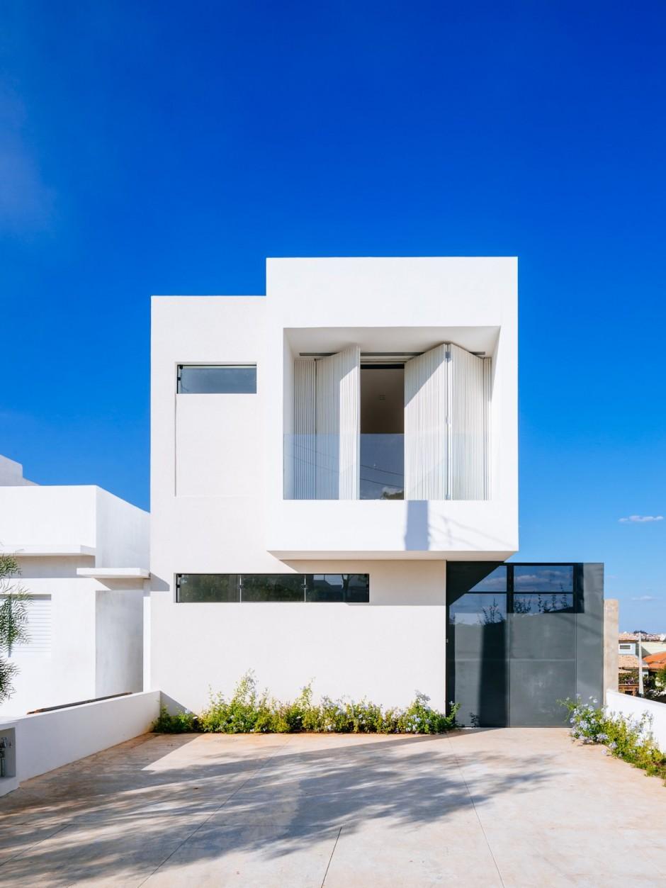 Casa moderna de pequeas dimensiones  Fachadas de Casas