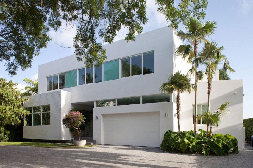Hermosa fachada de casa moderna en Miami  Fachadas de