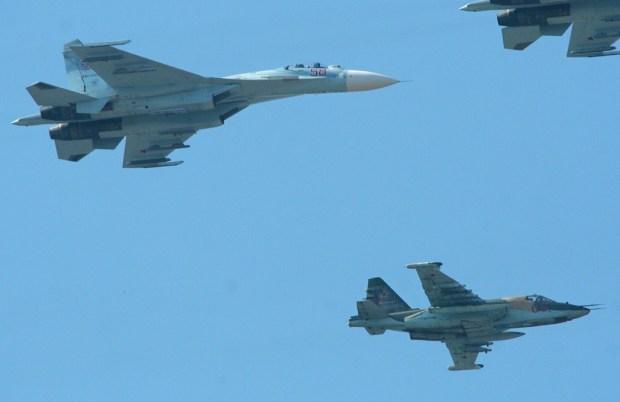 Su-27_Flanker_Su-25_Frogfoot