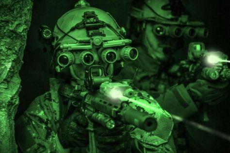 Resultado de imagen para gafas vision nocturna militares