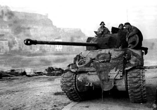 British Sherman Firefly