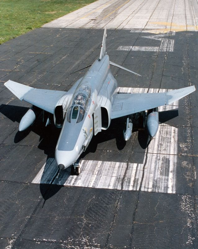 RF-4C Phantom II