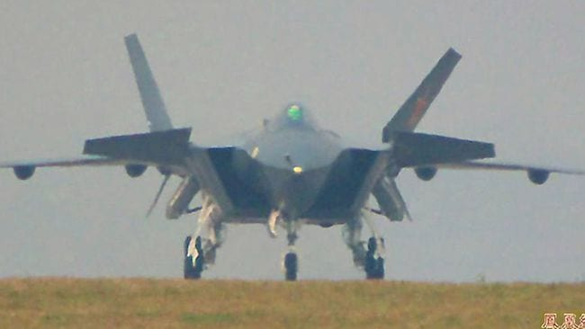 The first photos and videos of the J-20 have triggered a flood of speculation. Via Chinese Internet