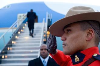 Barack Obama boards Air Force One in Ottawa