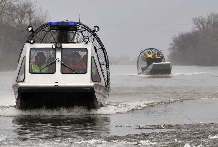 Coast Guard boat crews Midwest flooding