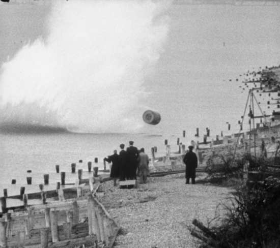 Bouncing bomb demonstration