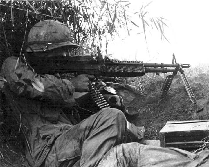 M60 Machine Gun Was Loved, Hated by G I s | Defense Media Network