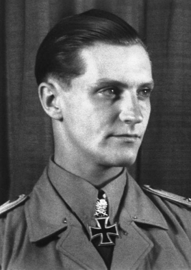 Hans-Joachim Marseille's official portrait taken on the occasion of receiving the Oak Leaves and Swords to his Knight's Cross from Adolf Hitler, June 28, 1942. Bundesarchive photo