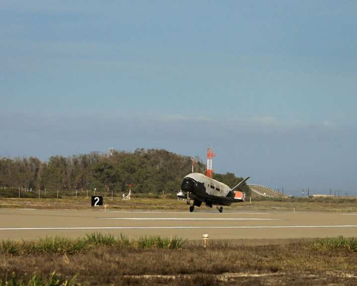 X-37B touchdown